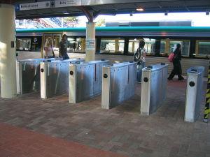 Transperth_Fare_gates_Perth_Train_Station